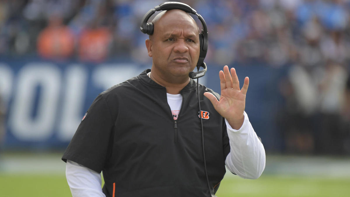 c8a697af6 Hue Jackson could reunite with Mike Zimmer as Vikings might need to hire a  new offensive coordinator - CBSSports.com