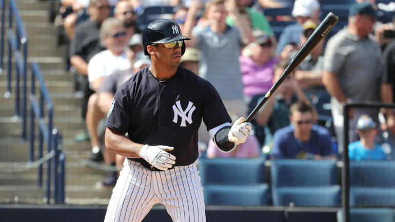 d7eb6b1172f91 Seahawks QB Russell Wilson will attend spring training with the Yankees  again in 2019 - CBSSports.com