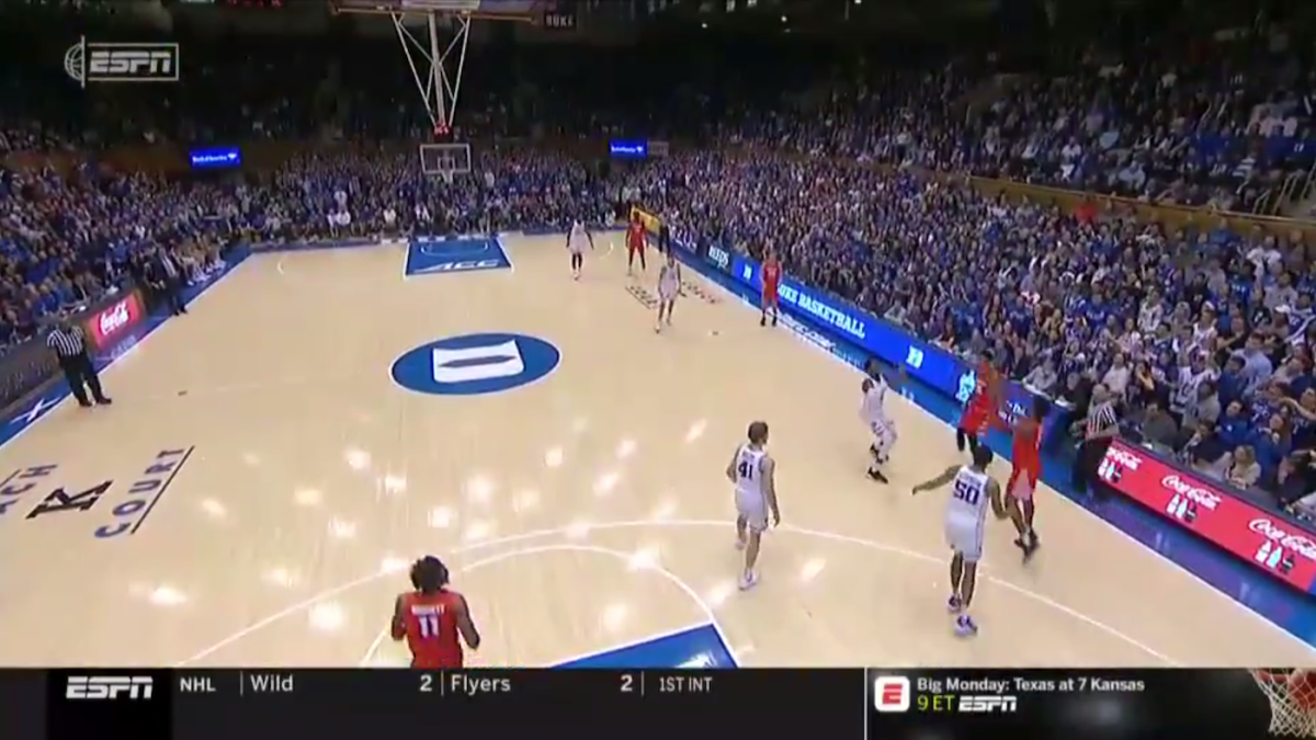 Watch Syracuse Ends First Half Against Duke With 70 Foot Buzzer Beater To Help Keep Game Close Cbssports Com