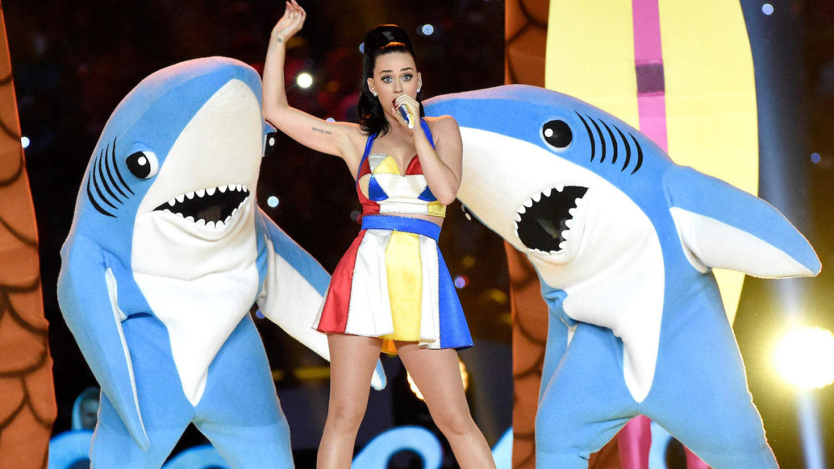 The 10 most bizarre and wild moments in halftime show history