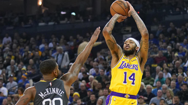 0ee5a387a44 Lakers-Warriors game overshadowed by rampant trade
