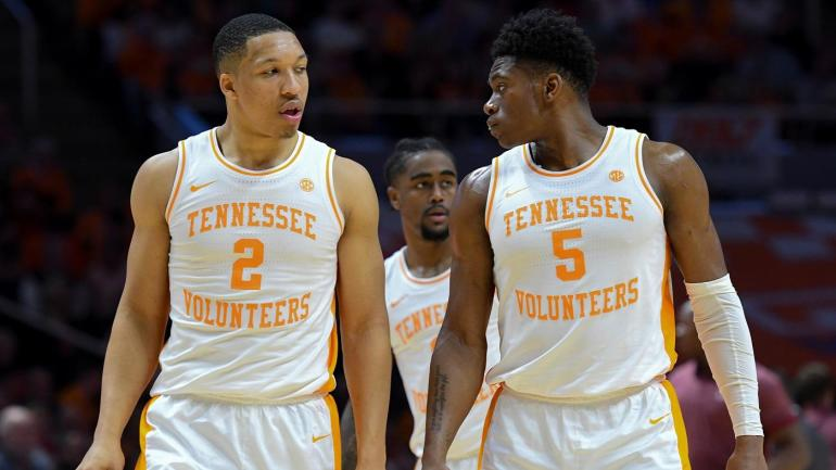 College Basketball Can Anyone Beat The Kentucky Wildcats: College Basketball Podcast: Can Top-ranked Tennessee Beat