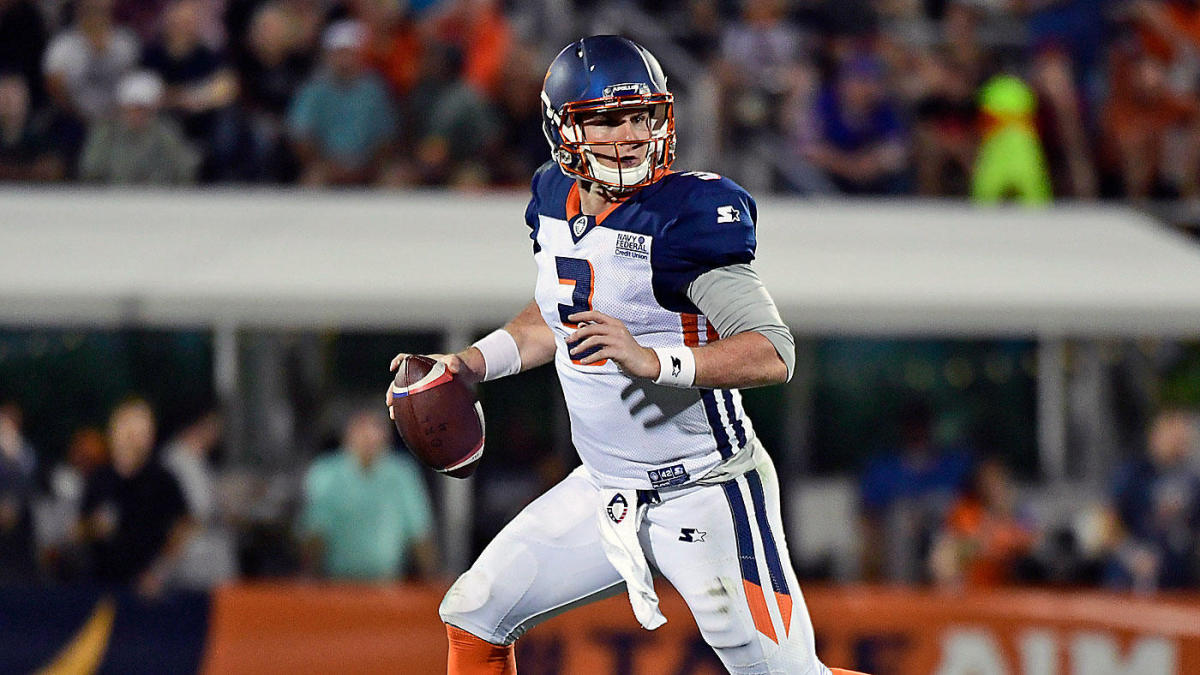 Cowboys Sign Veteran Backup Quarterback Garrett Gilbert A Day After Dak Prescott S Injury Per Report Cbssports Com