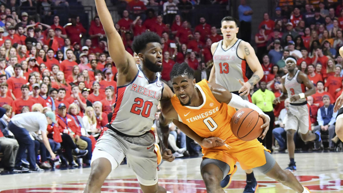 4800e70da79 WATCH: Ole Miss fans throw trash on court after controversial end-game call  seals loss to Tennessee - CBSSports.com