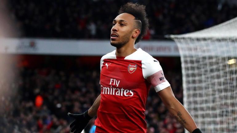 Manchester United vs. Arsenal score: Gunners leap into Premier League's top four as Xhaka, Aubameyang score