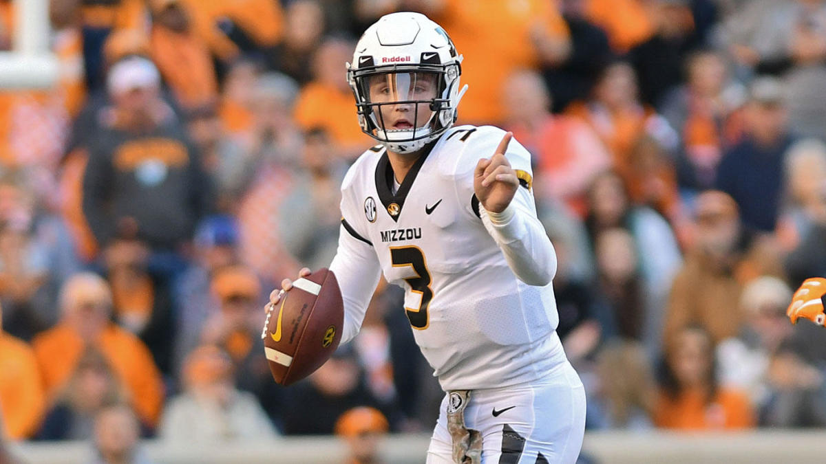 new concept 7547a 94e20 Seven-round 2019 NFL Mock Draft  Raiders surprise at No. 4, Haskins goes  after Lock, Bears start on O-line