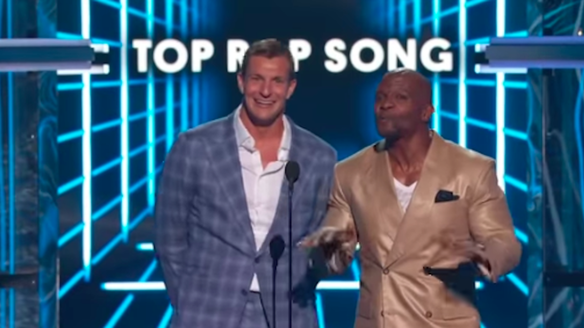 Rob Gronkowski shows up at Billboard Music Awards, says he