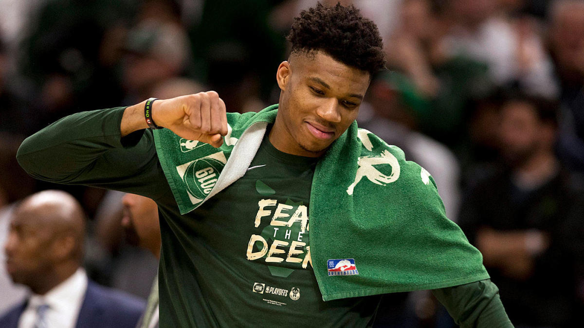 Bucks GM says Giannis Antetokounmpo will get supermax offer: `I think he`ll be a Buck for a long time`
