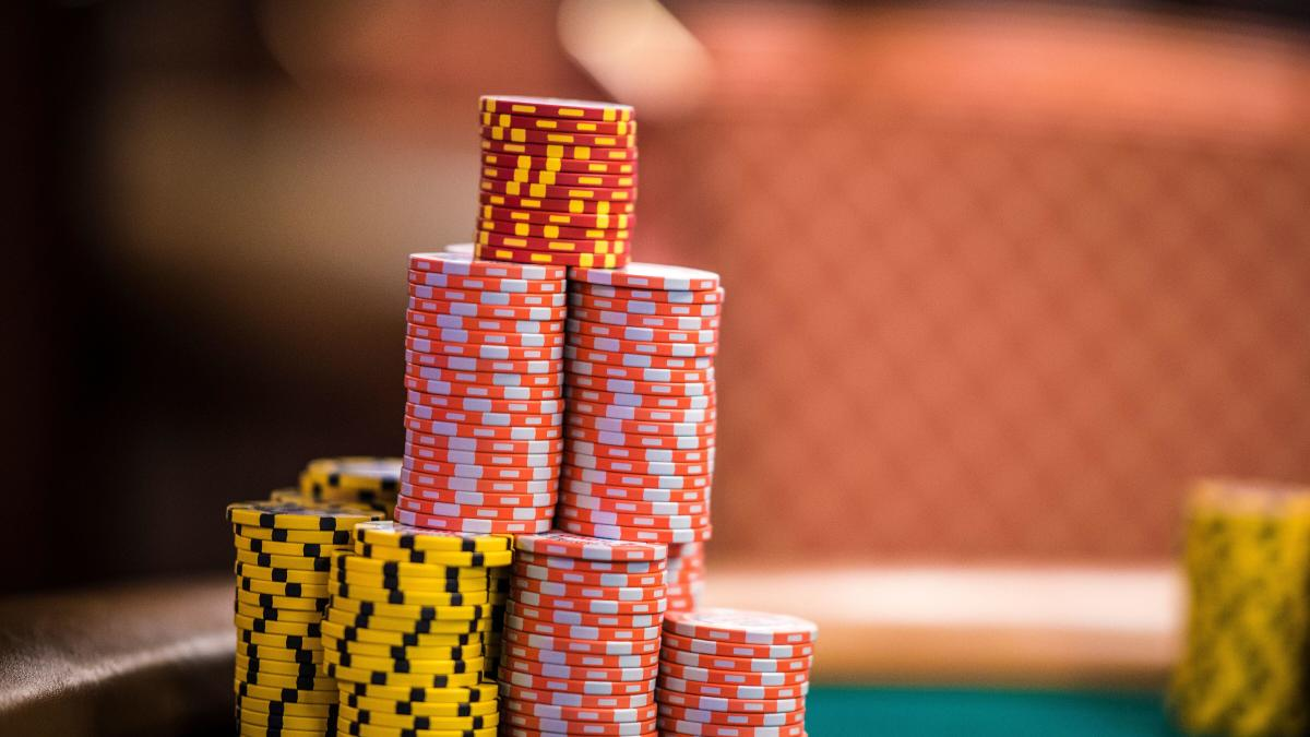 WSOP 2019: Poker game types, Texas Hold 'em, Omaha, gambling terms  explained - CBSSports.com