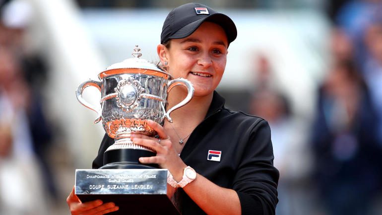 ashleigh-barty-wins-2019-french-open-trophy-1400-gettyimages-1154614499.jpg