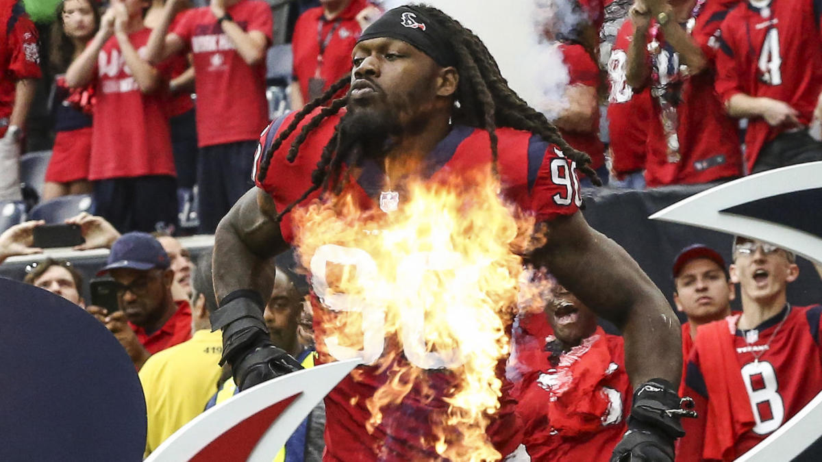 Jadeveon Clowney reportedly not expected to sign long-term contract with Texans before franchise tag deadline