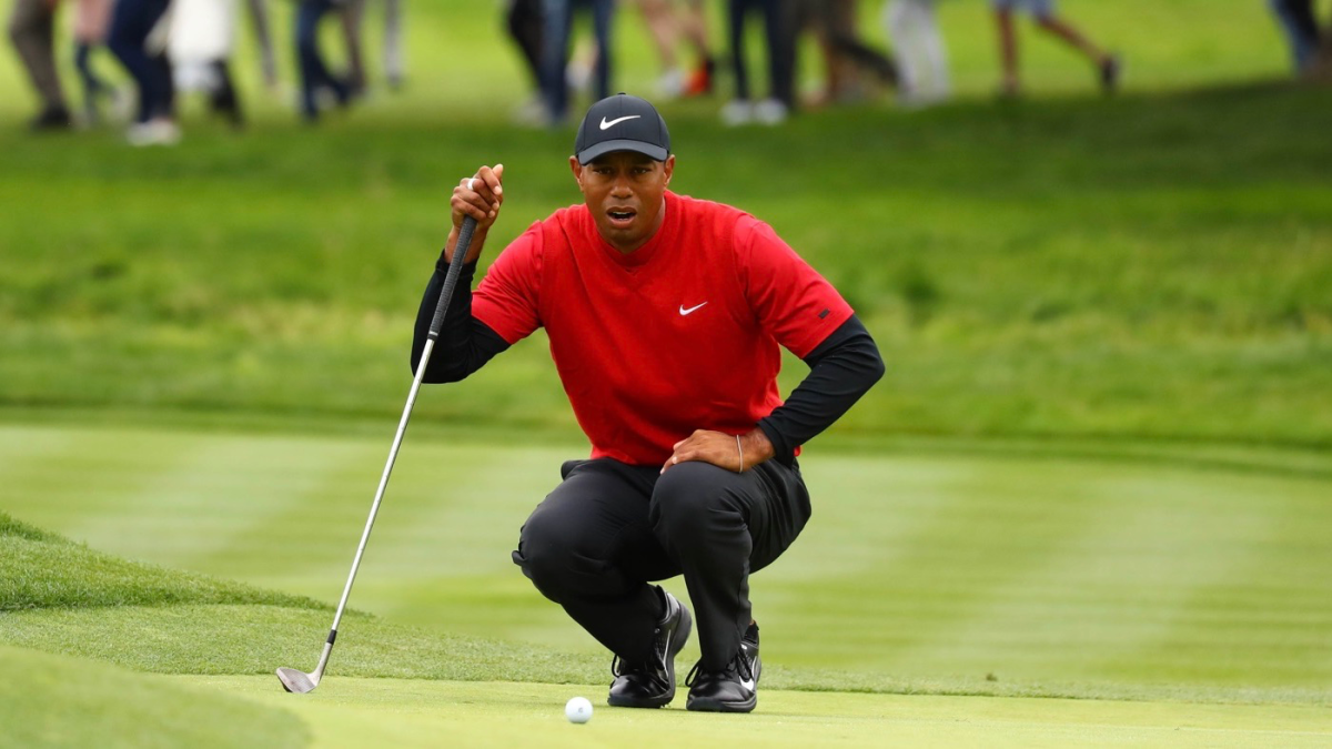 tiger woods score  strong close in round 4 puts sweet note
