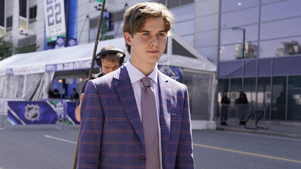 Jack Hughes, No. 1 pick in 2019 NHL Draft, signs three-year contract with Devils