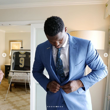 premium selection 2aa4d b627e Drew Brees gifts Zion Williamson a signed jersey, declares a ...