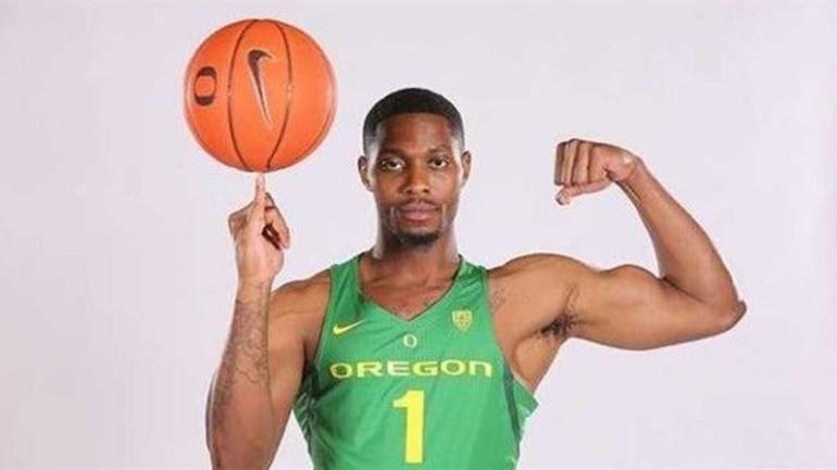 Oregon basketball lands huge graduate-transfer commitment