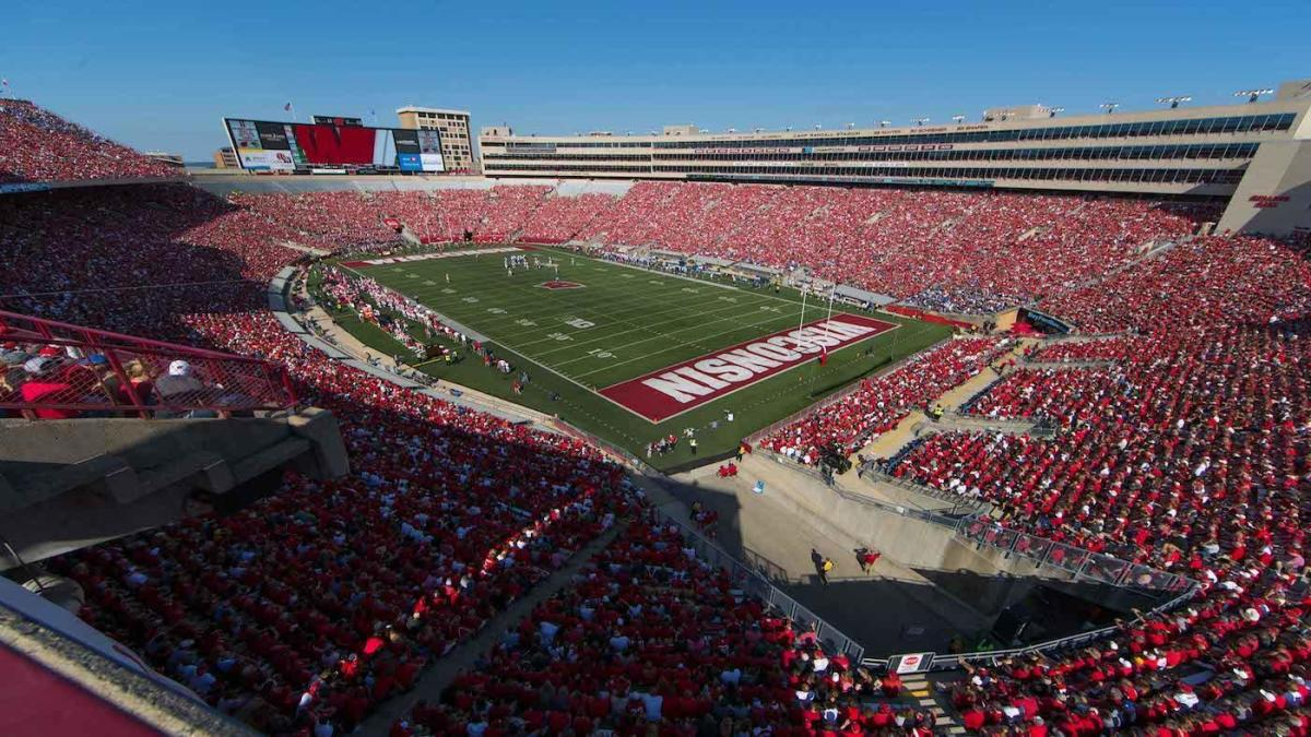 Wisconsin vs. Indiana: Live updates, score, results, highlights, for Saturday's NCAAF game