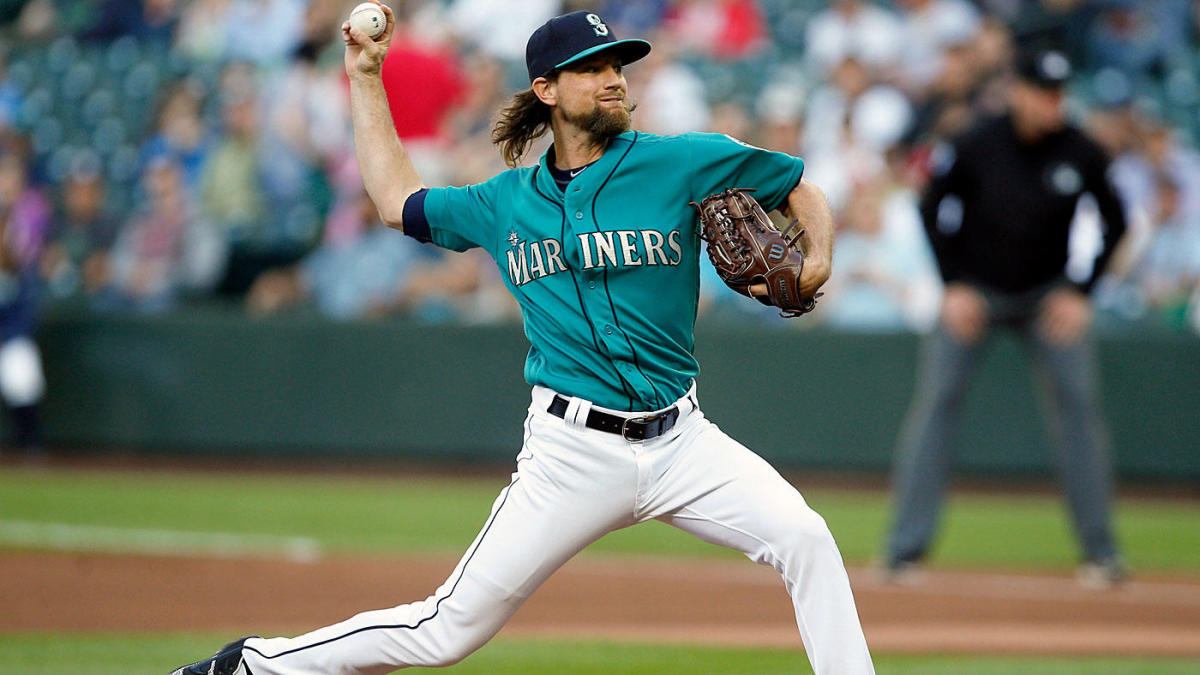 Mariners' Mike Leake comes within three outs of perfect game against Angels