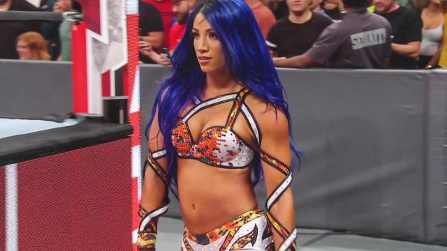 Wwe Raw Results Recap Grades Sasha Banks Shocking Return
