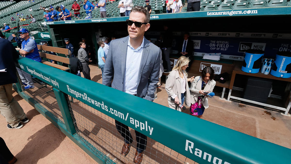 Cubs' Theo Epstein says front office had no issues with Joe Maddon's contract extension comments