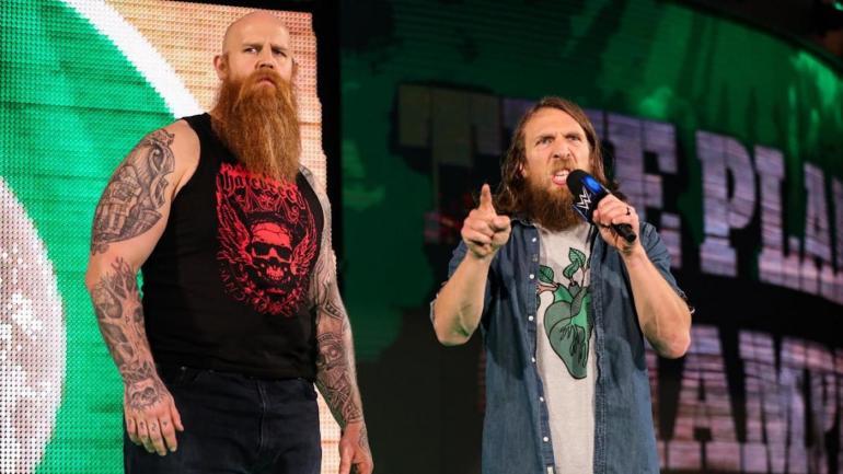 WWE SmackDown results, recap, grades: Daniel Bryan seeks the truth as Roman Reigns mystery grows