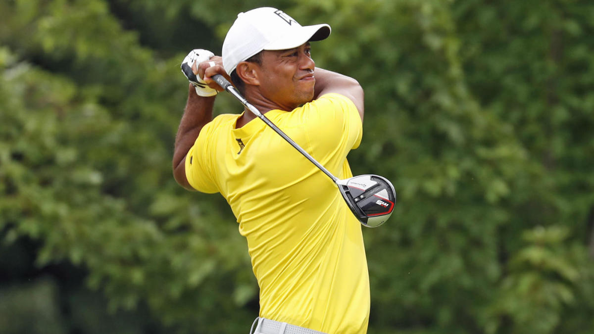 Tiger Woods undergoes surgery on left knee to repair minor cartilage damage, expects October return