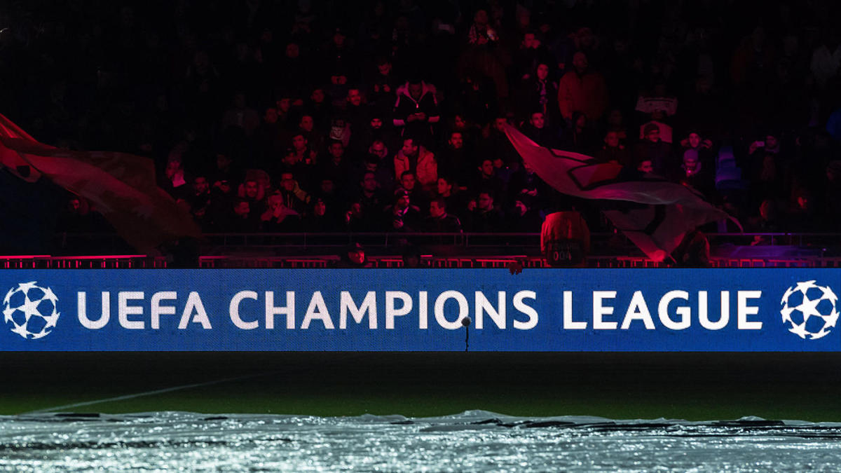 Champions League TV schedule, matches, results: Liverpool falls to Napoli, Barcelona draws Dortmund