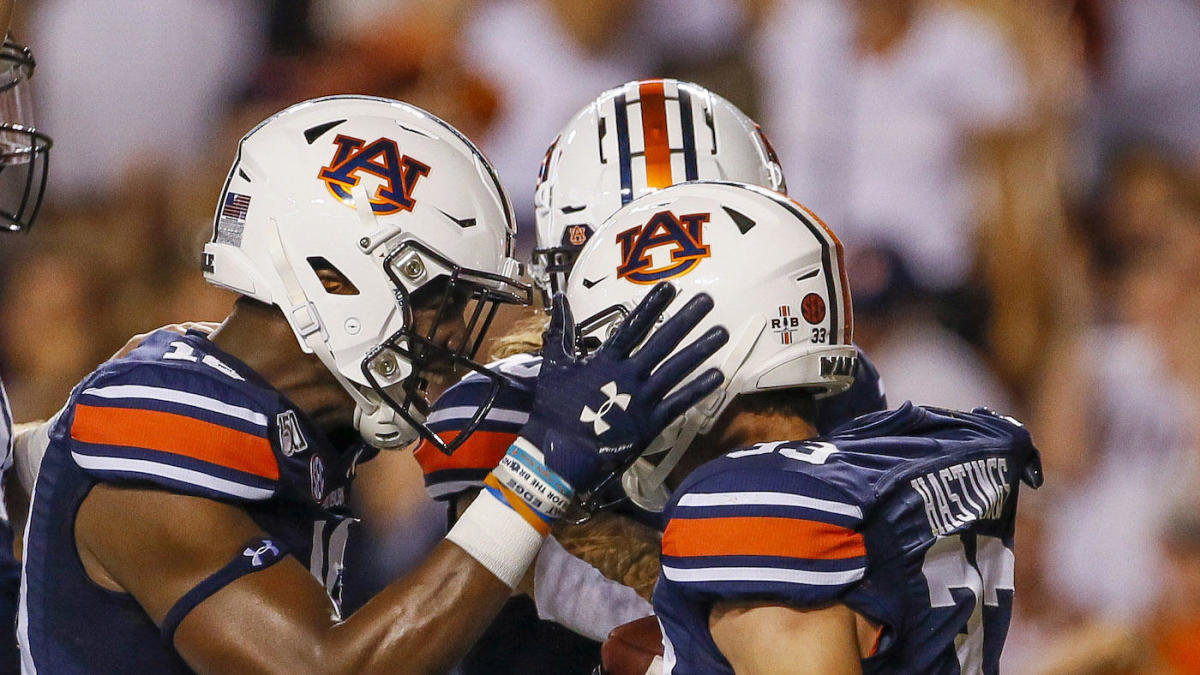 Coaches Poll Top 25 Auburn Moves Up In College Football