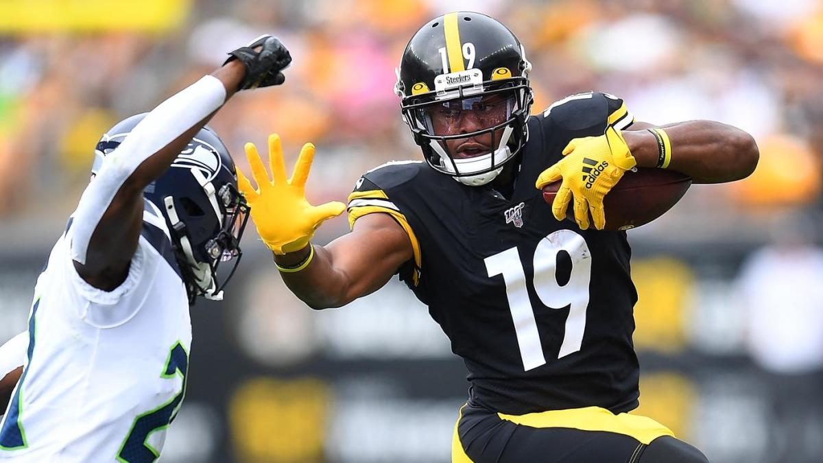 big sale 71ee7 e4035 JuJu Smith-Schuster breaks one of Randy Moss' NFL records in ...