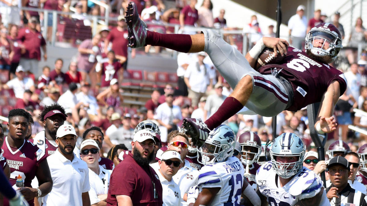 LOOK: Mississippi State QB goes insanely airborne attempting to gain first down vs. Kansas State