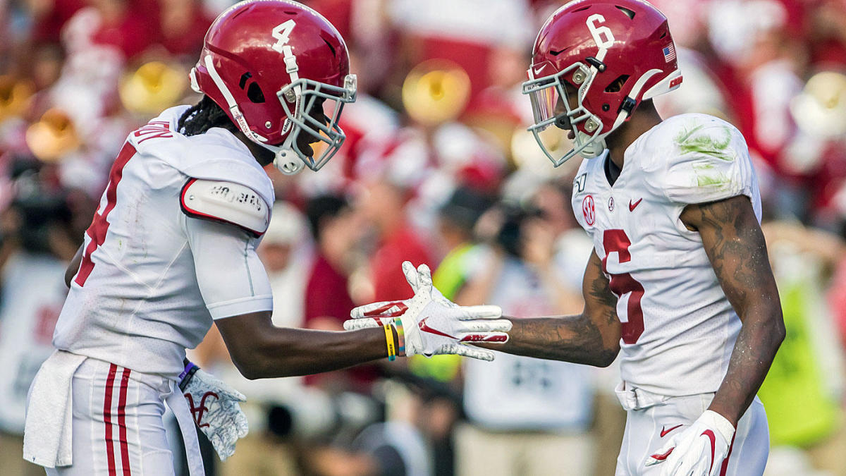 Alabama players play Rock, Paper, Scissors for TD routes