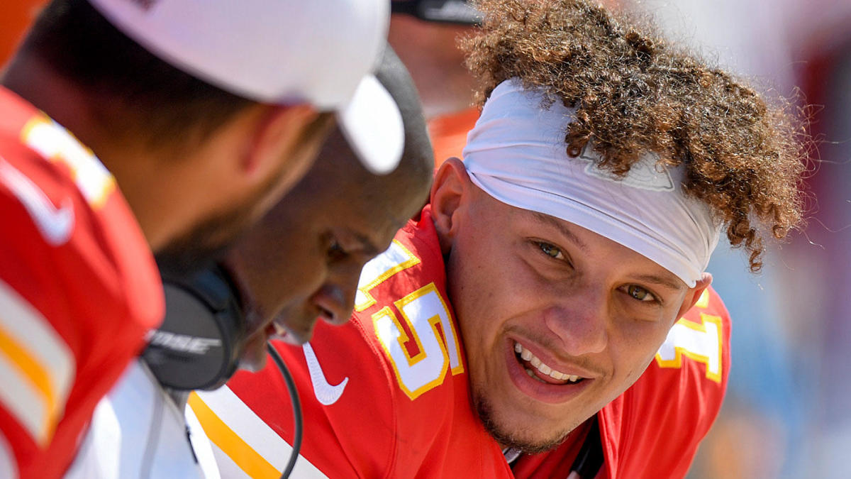 Patrick Mahomes Set To Make First Indoor Start In Nfl After