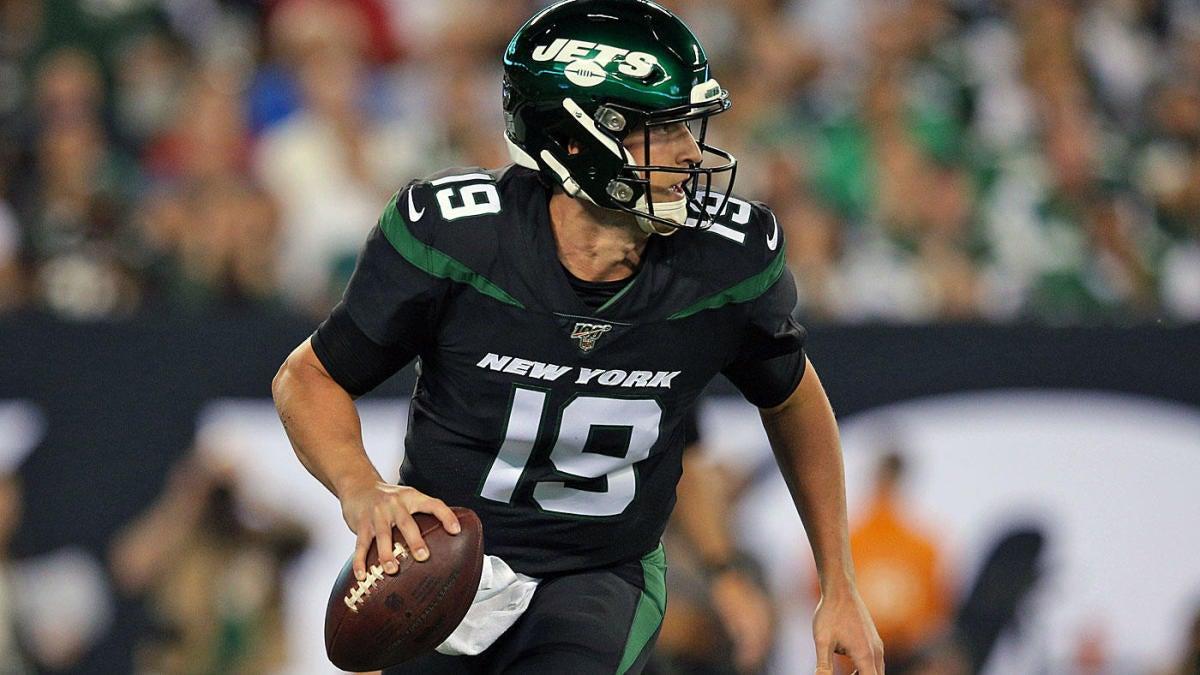 Titans shake up backup QB battle behind Ryan Tannehill by signing former NFL starter, waiving 2020 draft pick