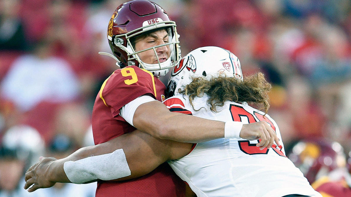 USC QB Kedon Slovis exits game vs. Utah with injury after being 'dinged' on opening drive