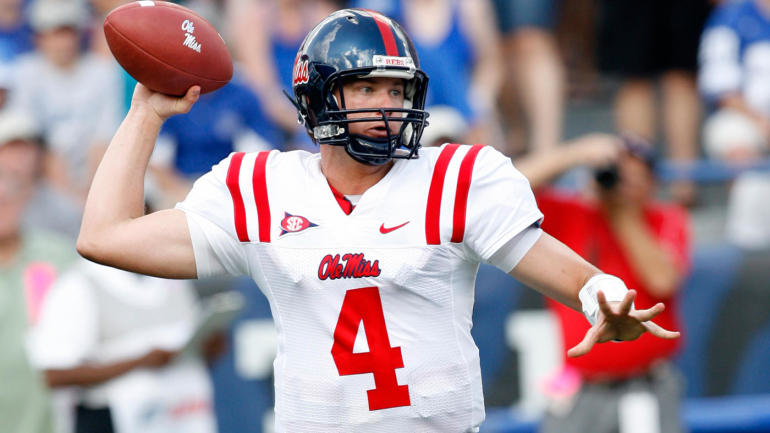 Police investigating death of former Ole Miss, Texas QB Jevan Snead in Austin