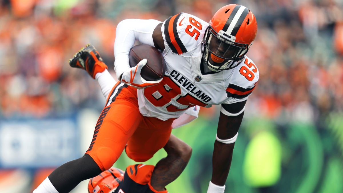 Browns' David Njoku designated to return from injured reserve, will practice Wednesday