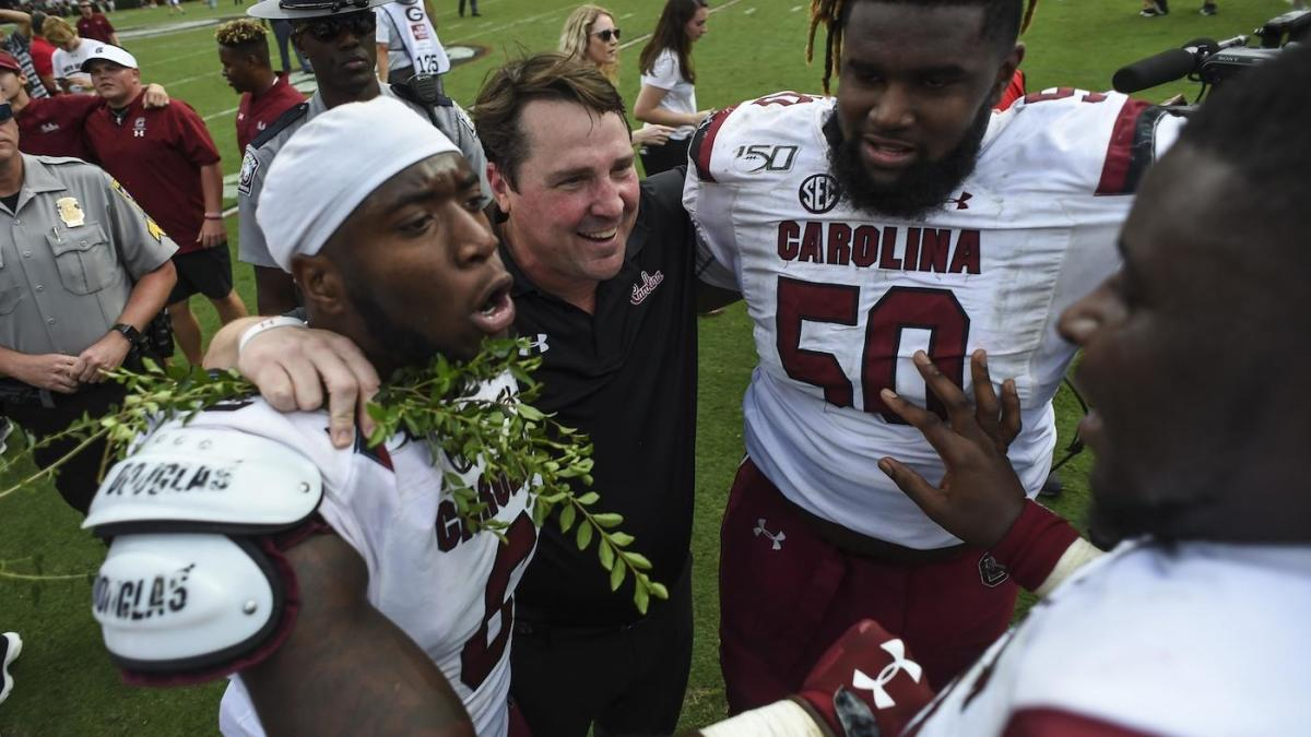 South Carolina AD apologizes for damage caused to Sanford Stadium hedges after upset win over Georgia