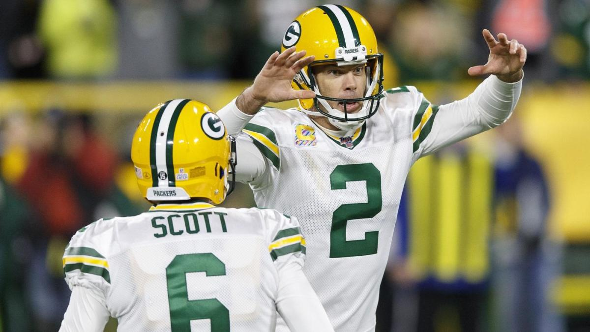 Twitter reacts to controversial officiating in Packers win over Lions on Monday Night Football