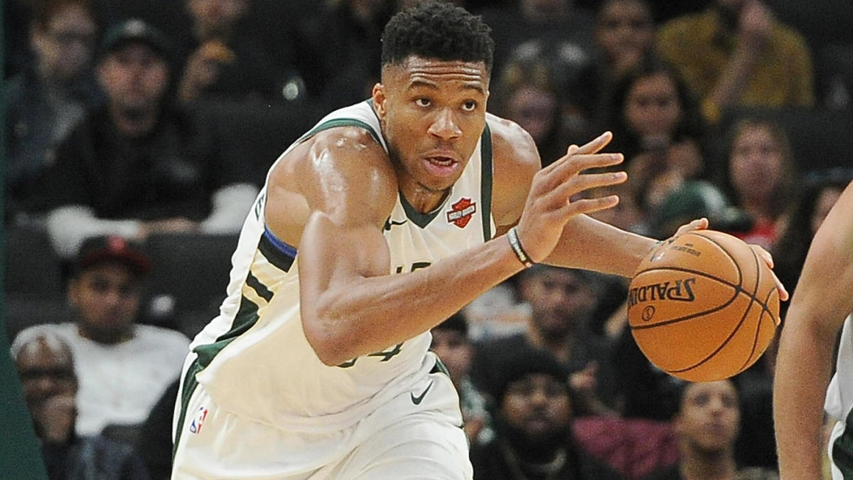 Giannis Antetokounmpo says looming free agency decision will be 'a lot more difficult' if Bucks underperform