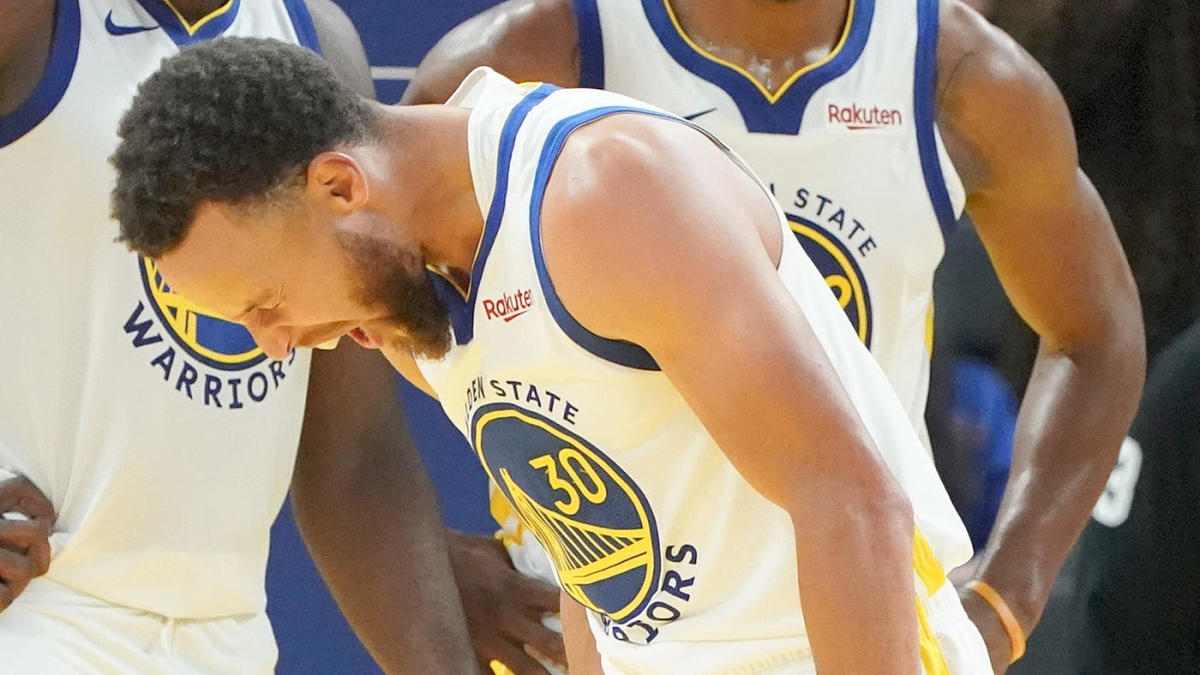 Stephen Curry injury update: Warriors star out at least three months after surgery for broken hand