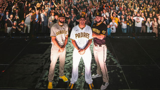 Padres Home Schedule 2020.Padres Unveil New Brown And Gold Uniforms Return To Roots