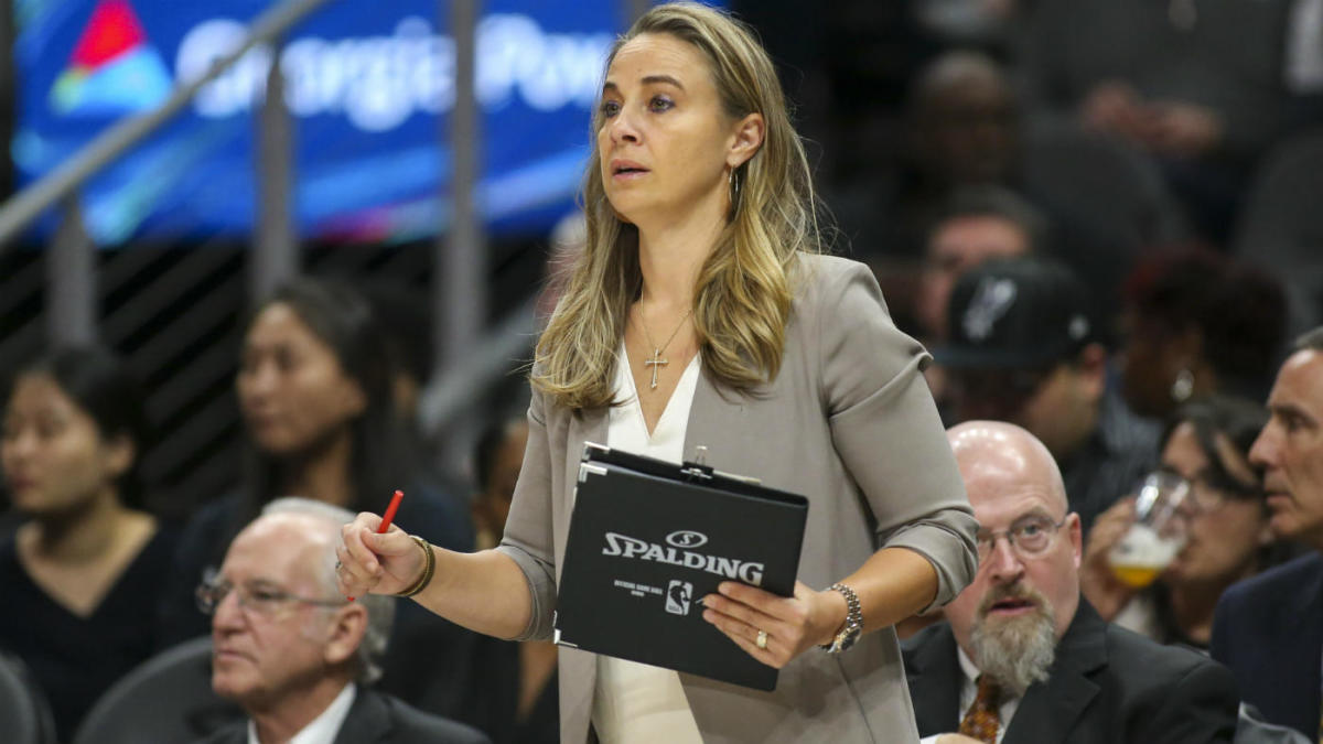 Spurs' Becky Hammon, Tim Duncan take over as coaches after Gregg Popovich ejected vs. Trail Blazers