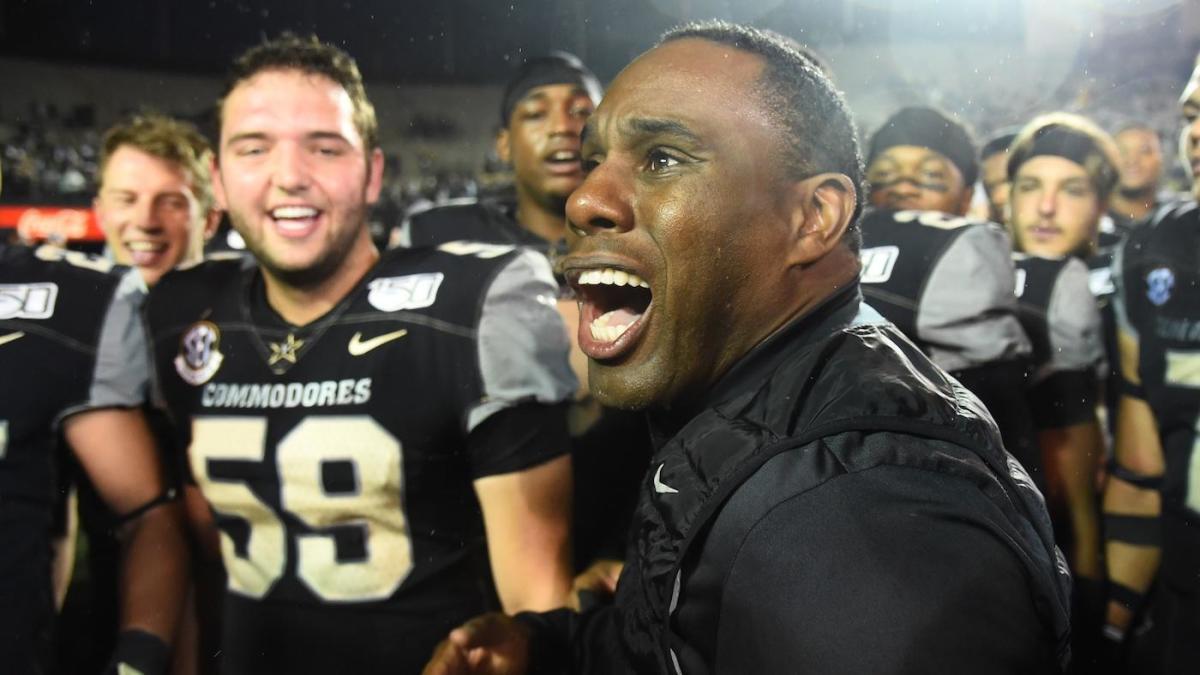 Vanderbilt coach Derek Mason will return to lead Commodores program in 2020 season