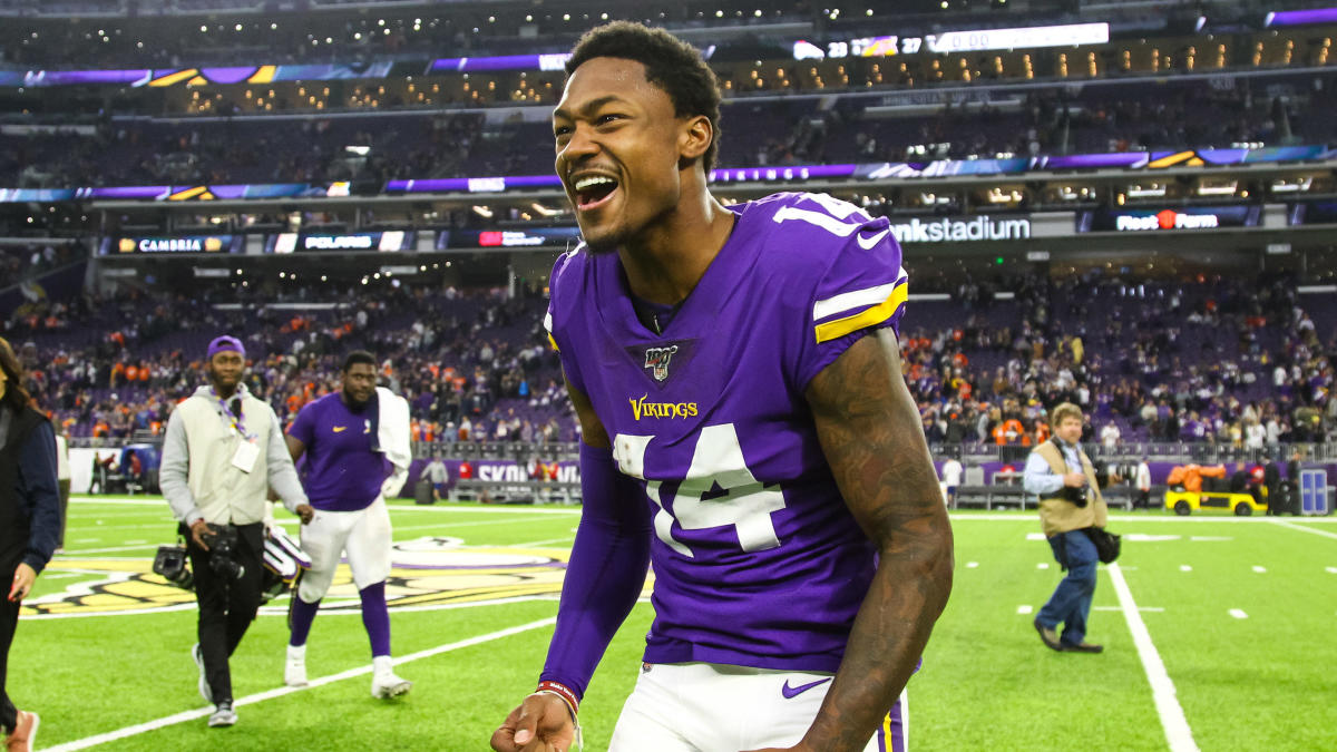 Stefon Diggs investigating who 'new man on the Minnesota Vikings' is that Lizzo refers to in hit song