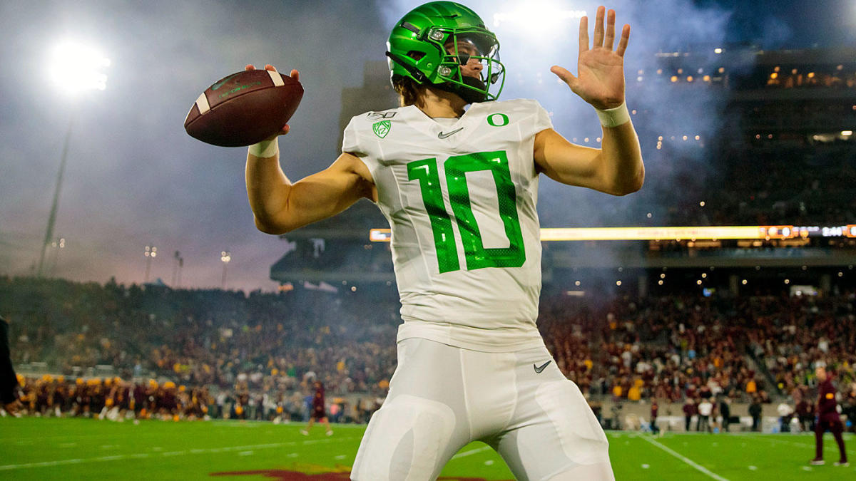 2020 NFL Draft QB Stock Watch: Justin Herbert has worst game of season, doesn't look like a first-round pick