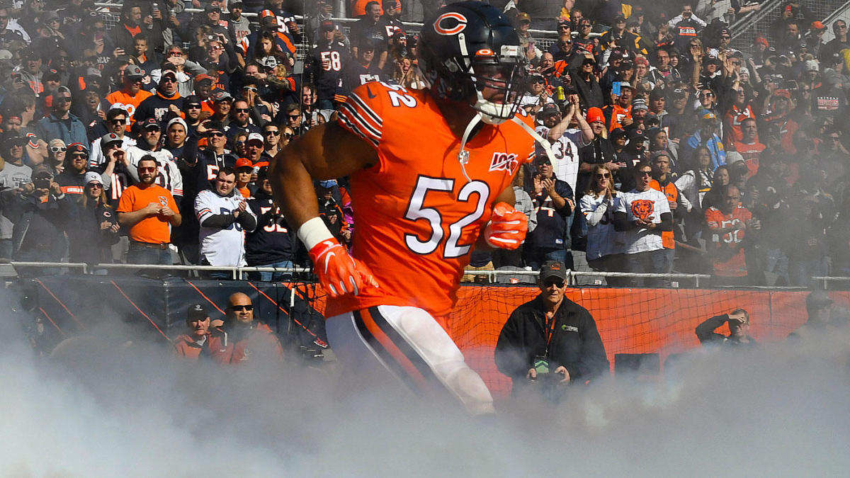 Khalil Mack pays off $80k worth of layaways at Walmart in his hometown in Florida
