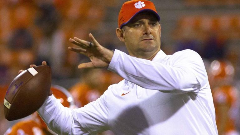 South Florida hires Clemson co-offensive coordinator Jeff Scott as next coach