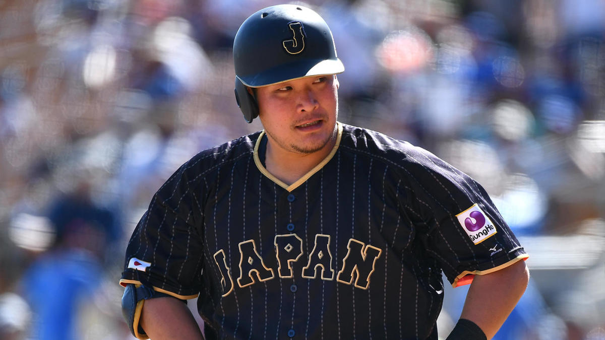 Rays sign Japanese outfielder Yoshitomo Tsutsugo to two-year deal, per report