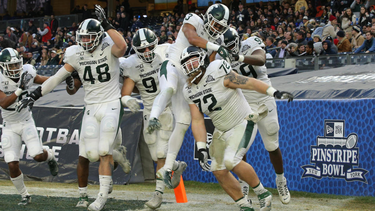 Watch Michigan State Dl Mike Panasiuk Excites With Crazy