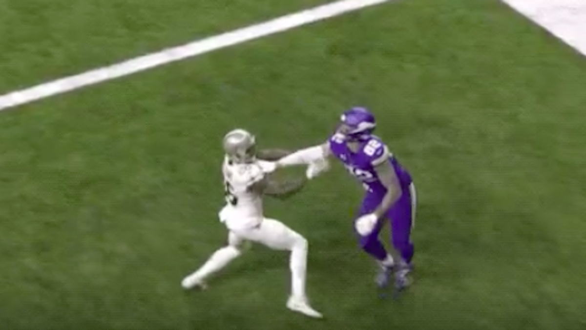 Saints lose on controversial pass interference no-call again, former NFL referee says it should've been a flag