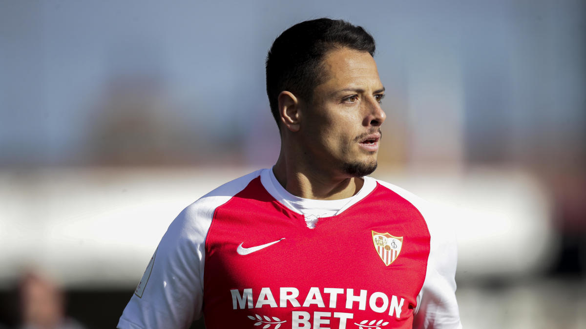 Los Angeles Galaxy reach deal to acquire Chicharito Hernandez as Zlatan Ibrahimovic's replacement